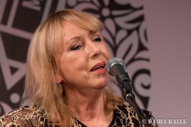 BILDES 2017 Folkkoncerts, uzstājas Ieva Akuratere.